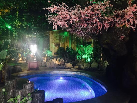 泉城欧乐堡梦幻世界,泉城海洋极地世界,泉城欧乐堡温泉酒店携手为您奉